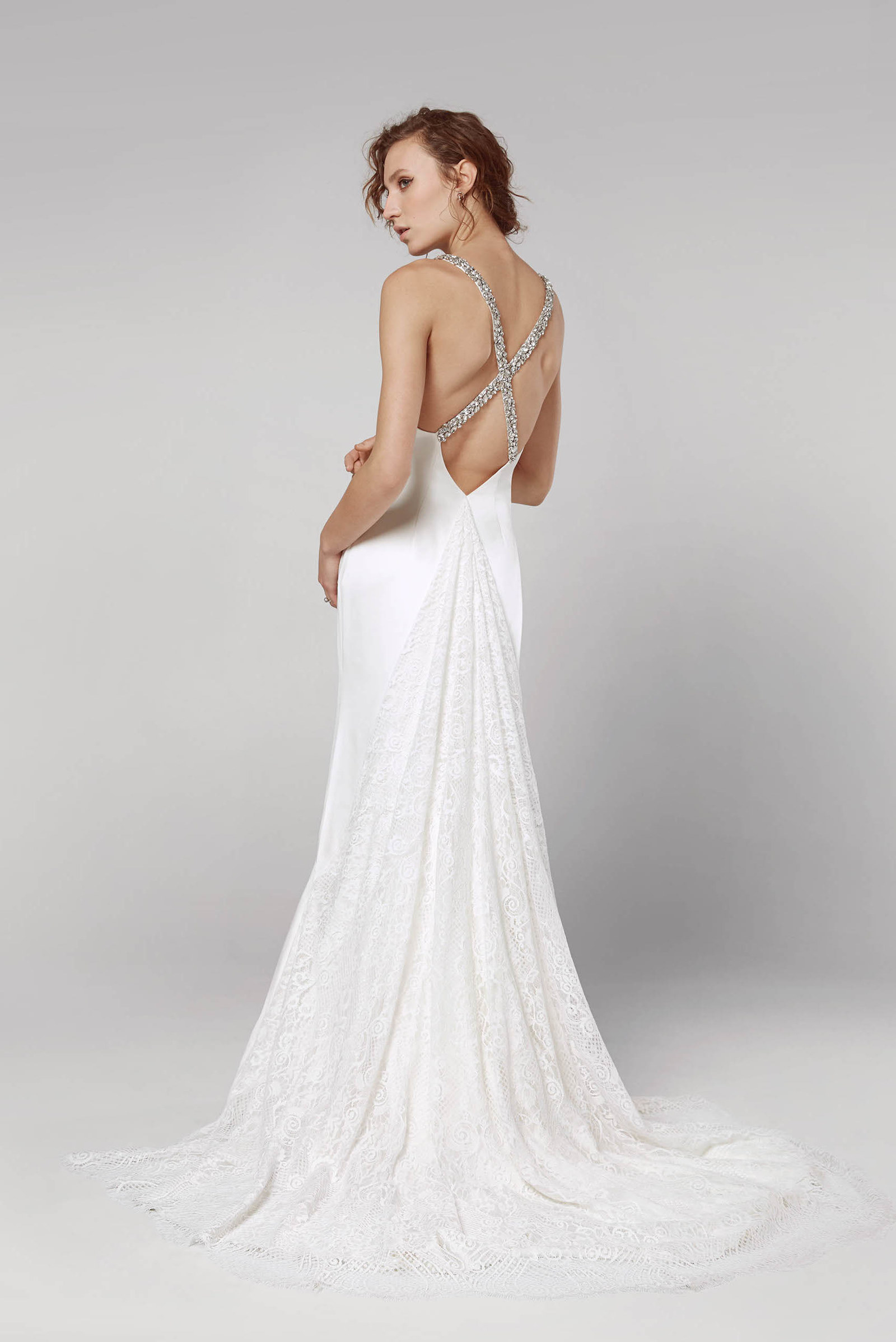 3b9ee967d4e 27 Completely Gorgeous Wedding Dresses You Can Order Online