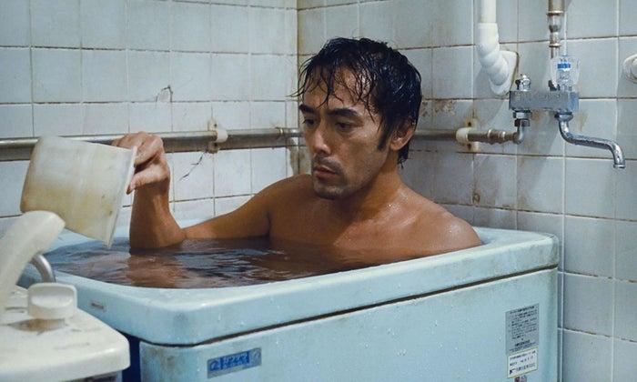 Hiroshi Abe as Ryota Shinoda.