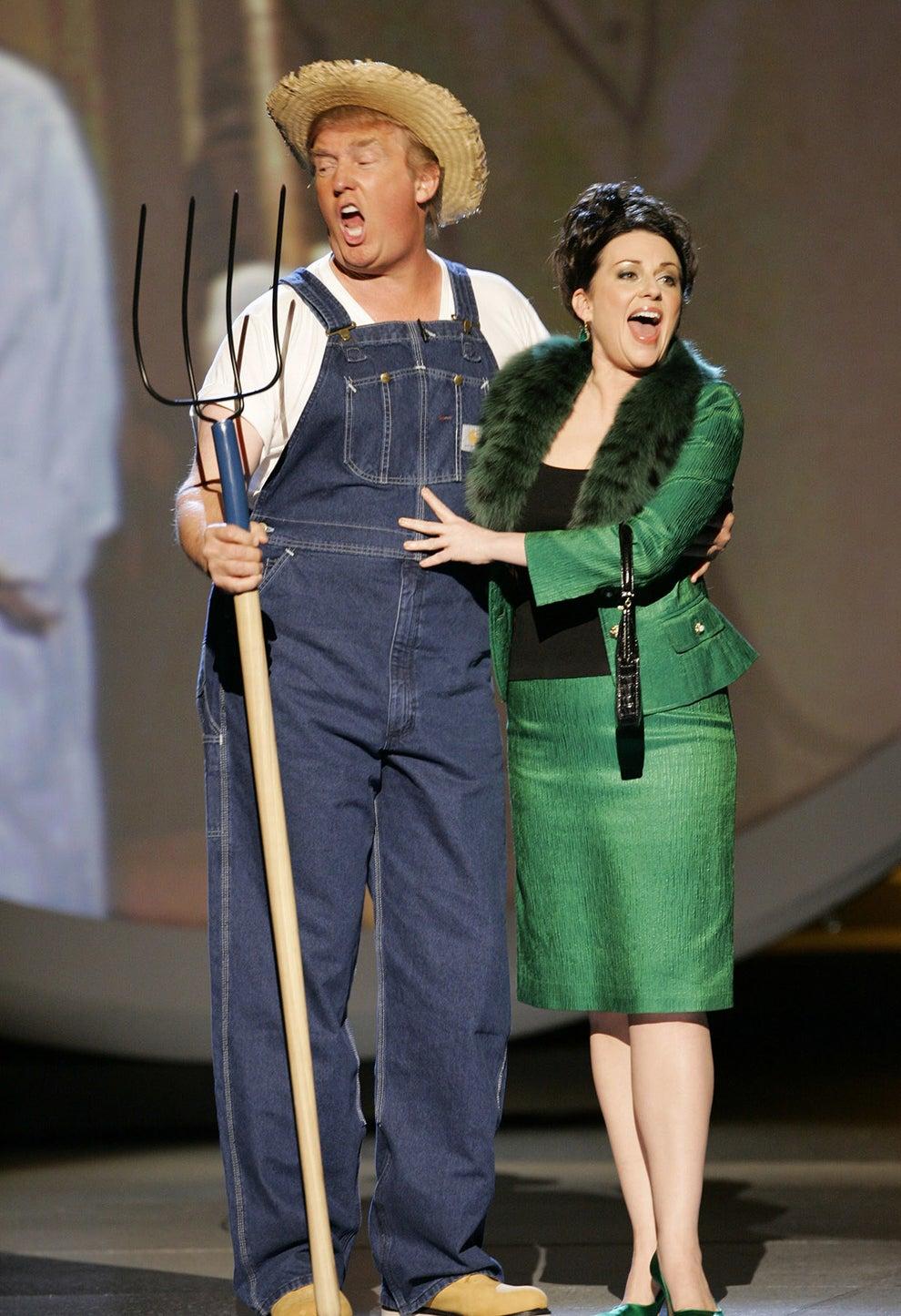 Cuando cantó el tema principal de Green Acres con Megan Mullally en los Premios Emmy de 2005: