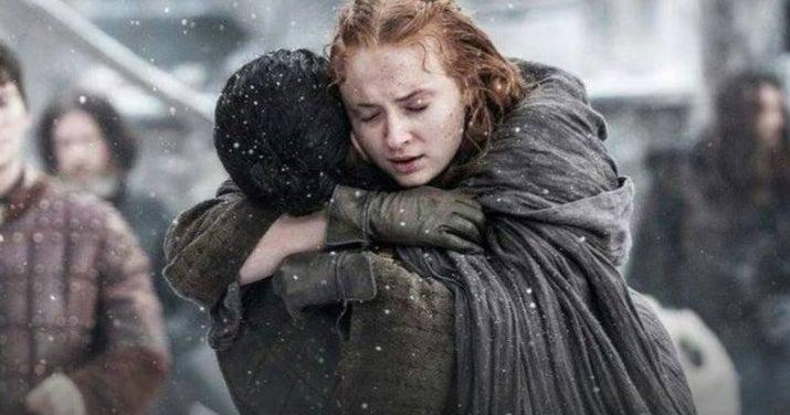 O YouTuber Alt-Shift-X destaca que as Casas dos pretendentes de Sansa correspondem às Casas dos campeões do Torneio de Vaufreixo, inclusive seguindo a mesma ordem, no livro 'O Cavaleiro dos Sete Reinos' (uma história passada antes dos eventos das 'Crônicas de Gelo e Fogo'). E como Jon é na verdade filho de Rhaegar Targaryen — o último campeão do Torneio de Vaufreixo — é bem possível que ele seja o novo pretendente da Sansa. Estranho, mas, tipo, talvez???