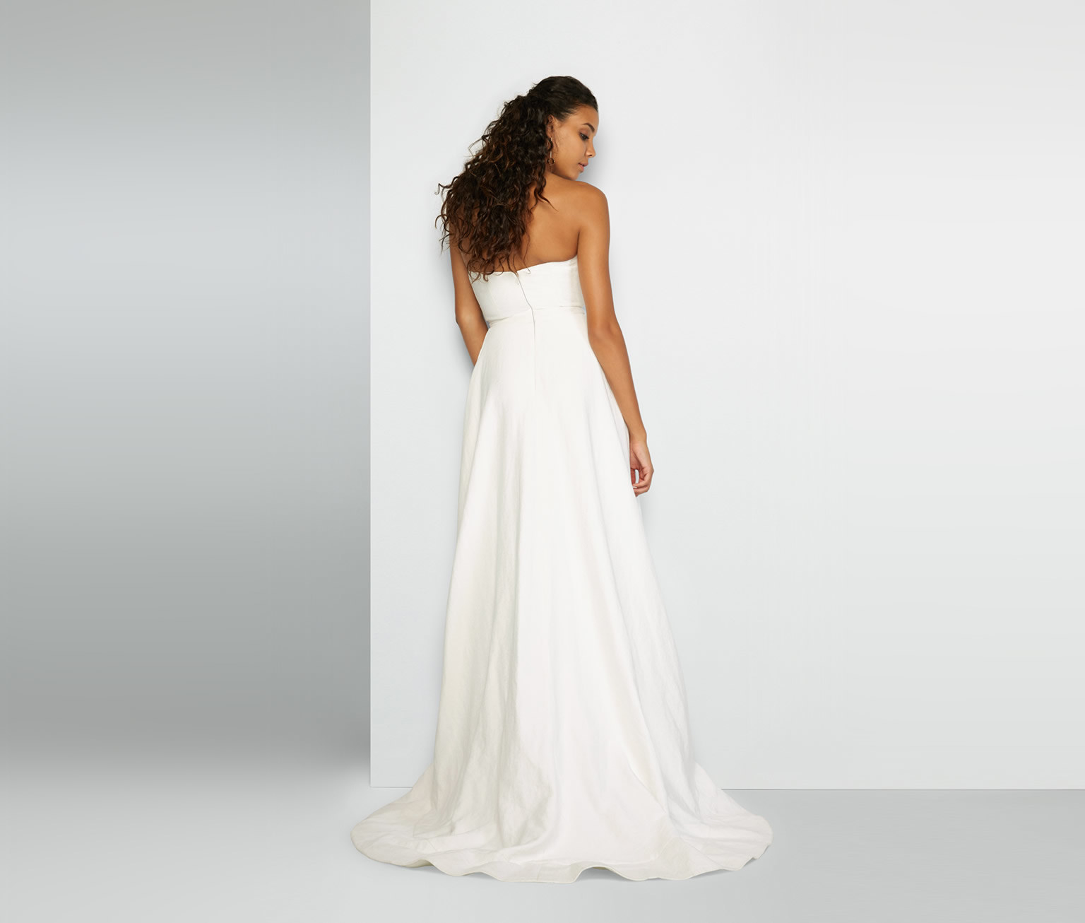 24 Wedding Dresses With Impossibly Gorgeous Details