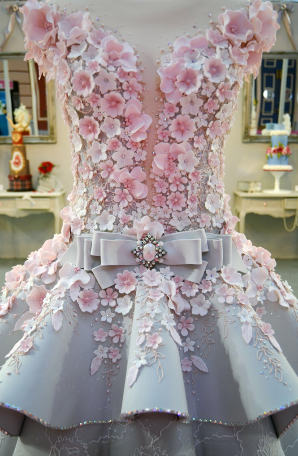 Morris created the masterpiece for the Cake International show at Alexandra Palace in London on April 22, and needless to say, she nailed every gorgeous detail.