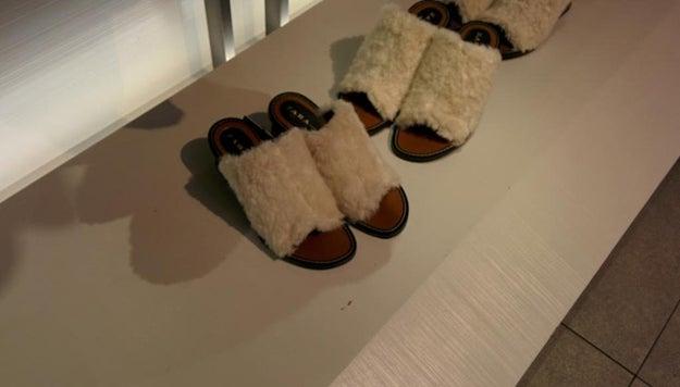 O estos zapatos con borreguillo.