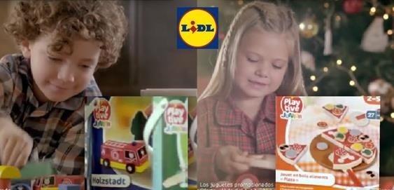 """La campaña, denunciada ante el Consejo Audivisual de Andalucía por """"machista y retógrada"""", muestra claramente los estereotipos de género a los que nos vemos sometidos desde la infancia: ellos juegan con coches, ellas con cocinitas."""