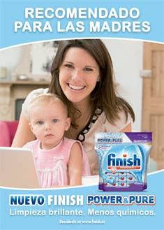 Otra muestra más de cómo la publicidad sigue asumiendo la responsabilidad de la mujer en el cuidado y las tareas del hogar.