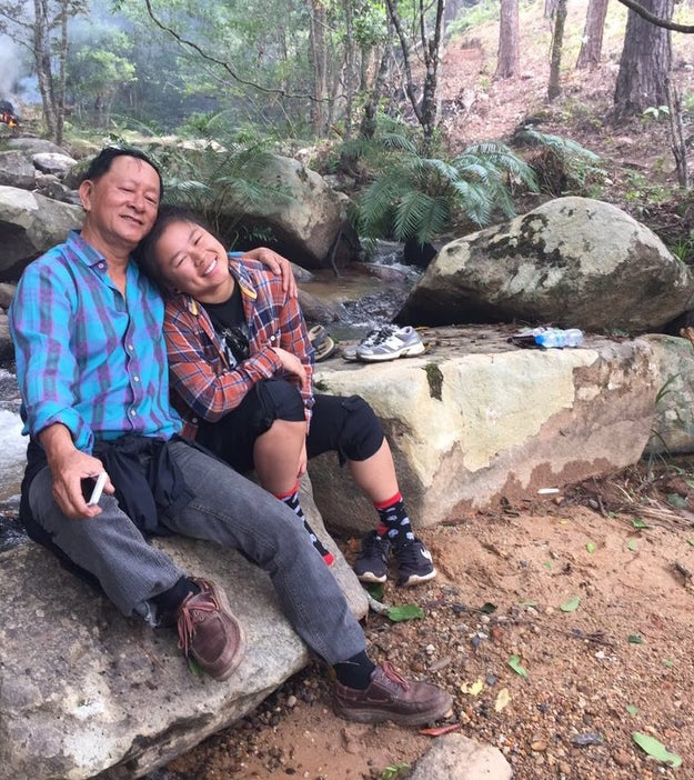 This is 18-year-old Angeline Tu Tran who's originally from California. After graduating high school recently, she decided to take a gap year and join her father who had moved to Vietnam two years ago. They've been traveling together ever since.