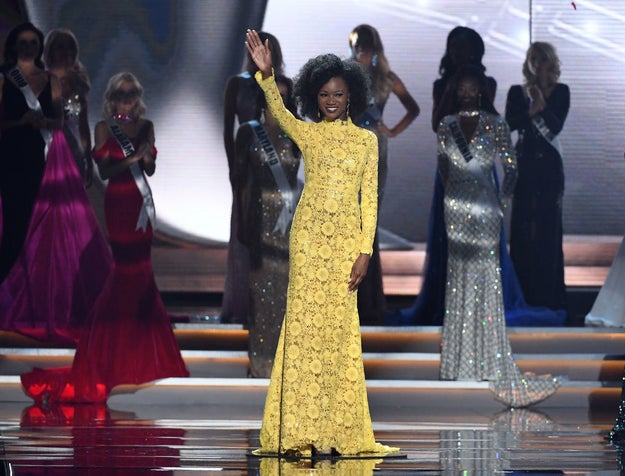 But one of the sweetest and most inspiring moments was when Miss USA 2016, the first active military soldier to win the crown, Deshauna Barber wore her natural Afro in honor of her mother.