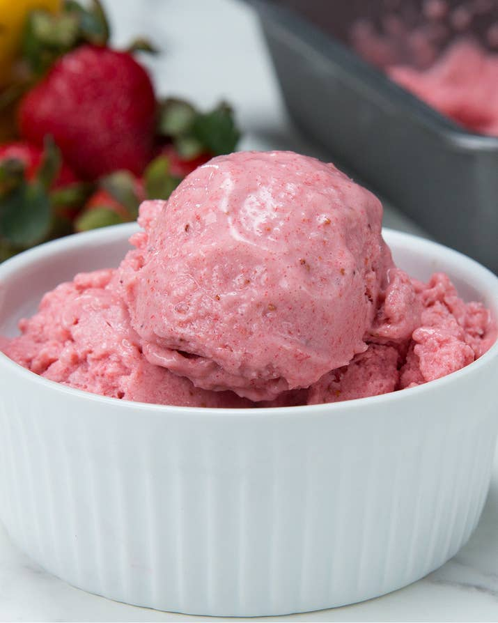 Chill out with these 4 frozen yogurt recipes heres what youll need 3 cups frozen strawberries 2 frozen bananas ccuart Gallery