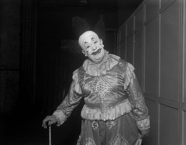 Whimsical Walker, un payaso con 65 años de experiencia, en el Olympia de Londres (1928).