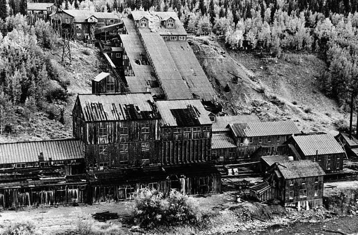 Mina de oro abandonada en Colorado (1940).