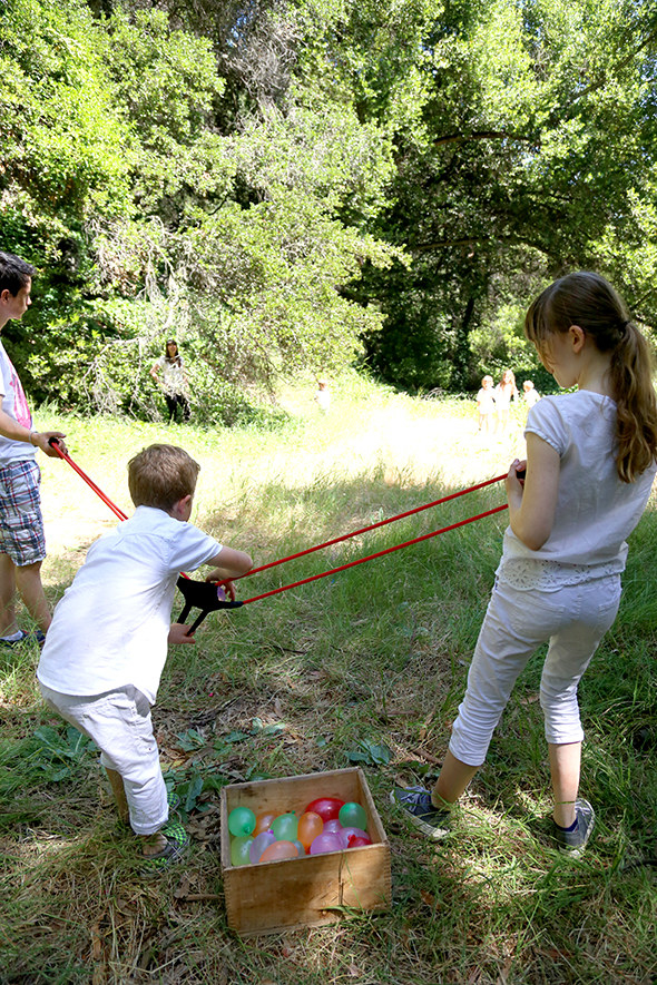 Defend your backyard with this water balloon slingshot.