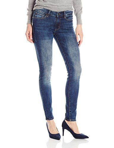 c9a86ad9d6113 21 Amazing Pairs Of Jeans That Won t Stretch Out