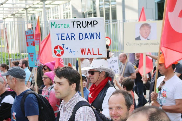 """Mist Trump tear dawn that wall"""