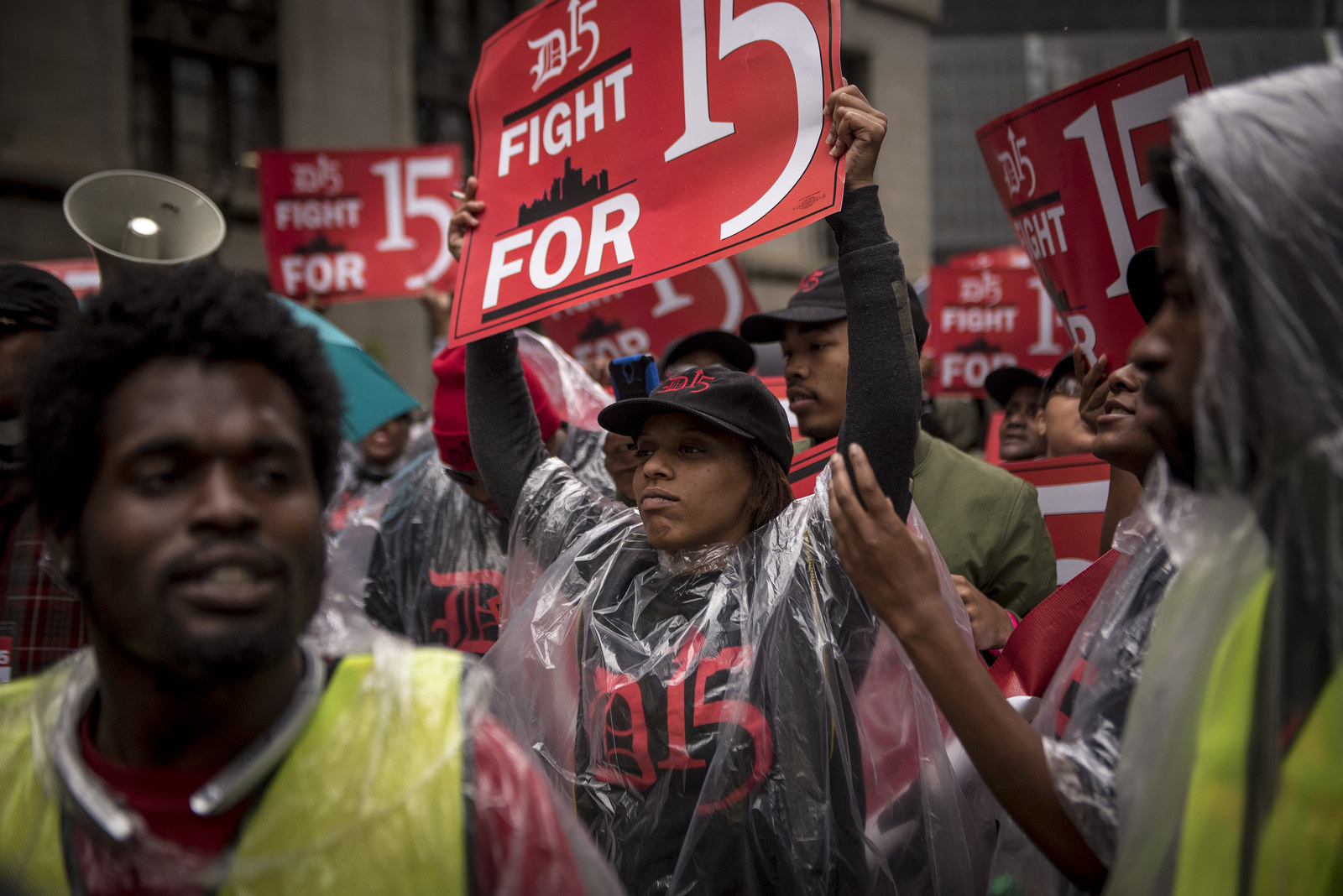 It's Official: A $15/hr Minimum Wage Is Democratic Party Policy