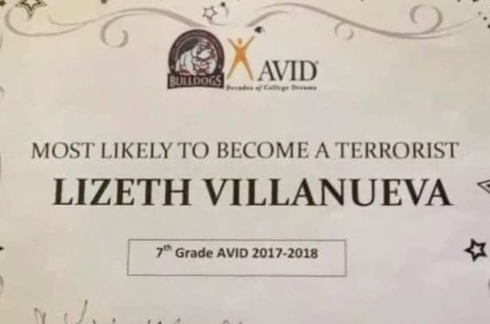 13歲女童被頒發「最有可能成為恐怖份子獎」!老師:「可能會傷到你們但...」網罵爆!