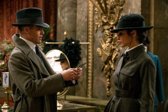 Steve Trevor (Chris Pine) and Diana (Gadot).