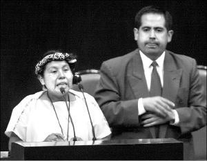 """Fue una de las mujeres indígenas, junto a la comandante Esther, del EZLN, que hablaron en representación de los pueblos indigenas ante los diputados mexicanos. Desde entonces hizo un llamado a reconocer la participación política de las mujeres: """"Pareciera que no hacemos nada las mujeres indígenas, pero creo que hemos estado siempre en este proceso de lucha continua, sólo que no se ha reconocido mucho hacia fuera""""."""
