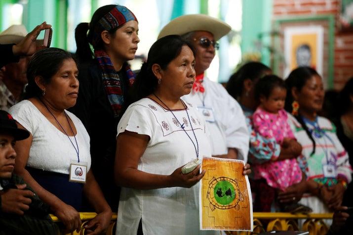En la Asamblea del Concejo Indígena participaron 693 delegados, 492 invitados del CNI, 67 concejales, 230 delegados del EZLN, con un total de asistentes de 1482.