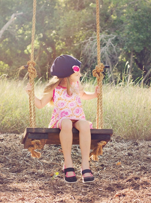 Learn how to build this swing on Scattered Thoughts of a Crafty Mom.