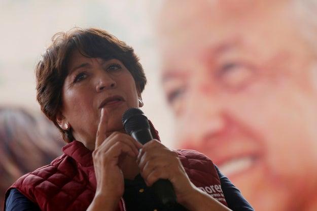 Y ella es Delfina Gómez, candidata de Morena, a gobernar la misma entidad.