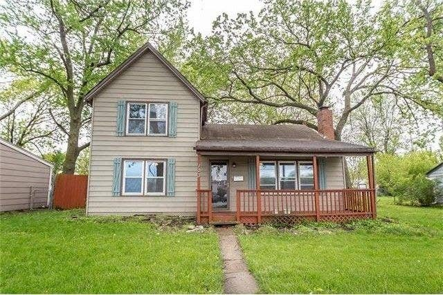 Size: Three bedrooms, one full bathroom and one half bathroom, 1,248 sq. ft.Location: Gardner, a town in 20,000, in northeast Kansas.