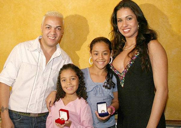Uma época um pouco conturbada para o casal porque alguns fãs não aceitavam o novo relacionamento após o fim do casamento com Viviane Araújo.