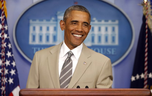 Indeed, people were incredibly enamored by what they thought was the official portrait. Many commented on the apparent choice of the tan suit, given that Obama was once mocked for the outfit in August 2014.