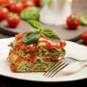 Elite Lifestyle Cuisine delivers healthy, chef-prepared meals with caloric balance in mind. Try delicious dishes that are perfect for summer, like the chicken lasagna that features grilled chicken breast and assorted green vegetables combined with low-fat mozzarella and ricotta to fill whole wheat lasagna pasta sheets.
