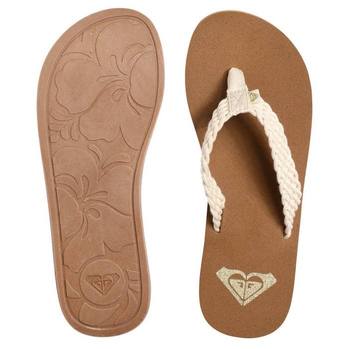 f751e7c3873aa 22 Of The Best Flip Flops You Can Get On Amazon