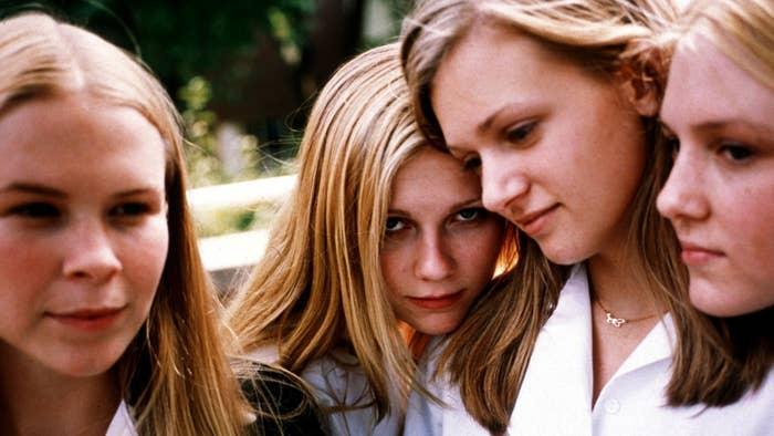 Leslie Hayman, Kirsten Dunst, A.J. Cook, and Chelse Swain in The Virgin Suicides.