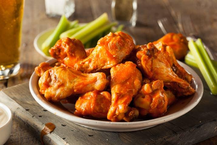 What do you consider the proper way to eat chicken wings do you consider yourself a chicken wing aficionado forumfinder Choice Image