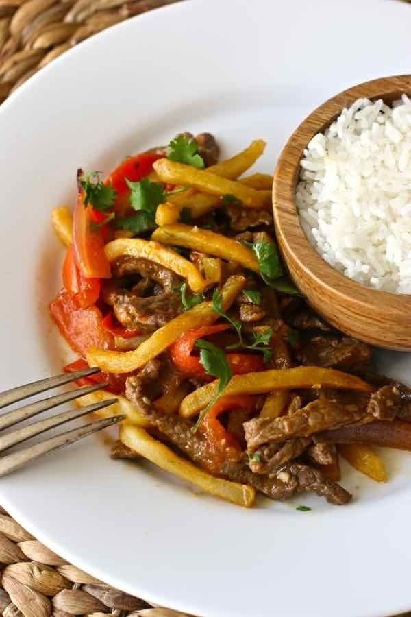 What is it? Strips of beef stir-fryed with onions, peppers, and French fries (!).Flavored with soy sauce and sometimes served with rice, this classic dish perfectly illustrates the proliferation of Chinese culinary tradition in Peruvian cuisine. Recipe here.
