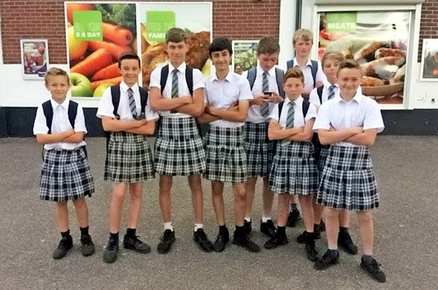 """A Group Of Schoolboys Wore Skirts To Protest Their School's """"No Shorts"""" Uniform Policy – BuzzFeed News"""