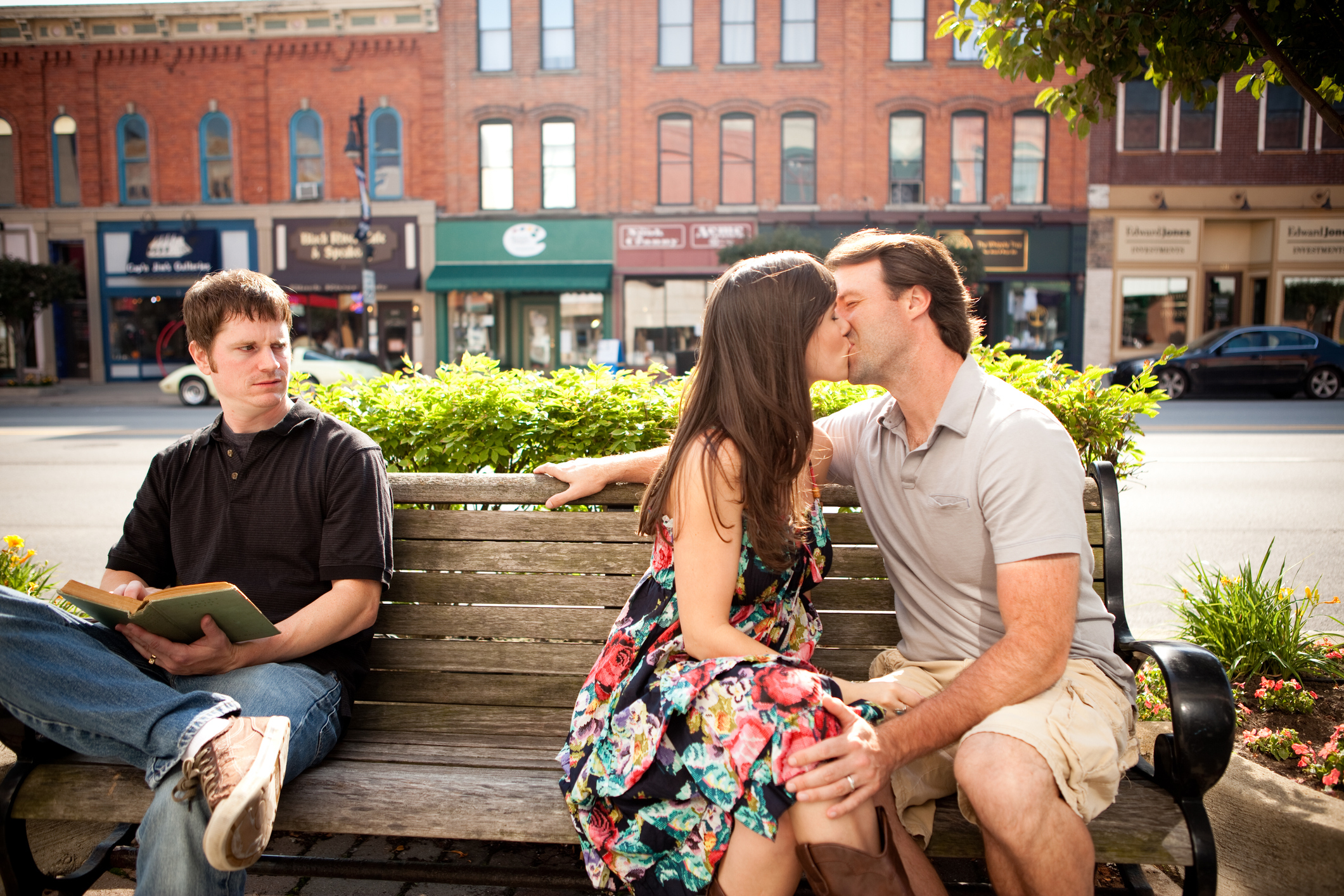 How Should A Christian Approach Dating