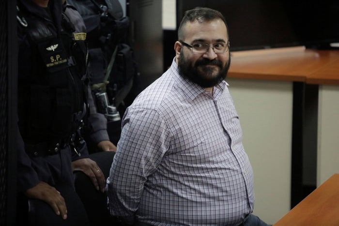 Duarte permaneció esposado durante la audiencia.