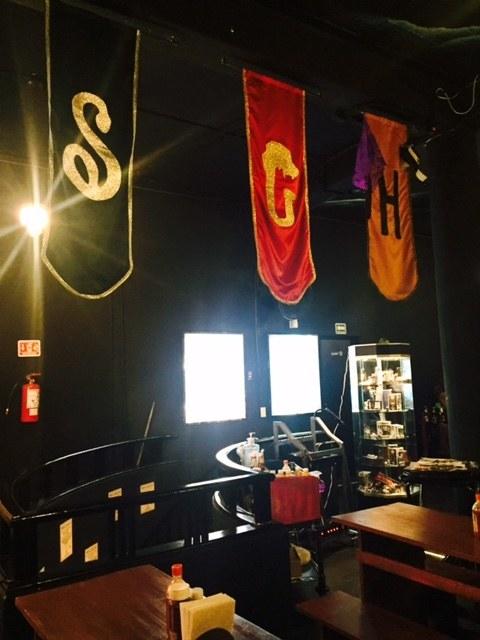 No importa con qué casa te identifiques, este restaurante-bar te hará sentir como en Hogwarts.