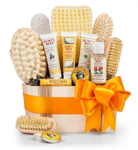 20 of the best places to order gift baskets online share on facebook share solutioingenieria Image collections