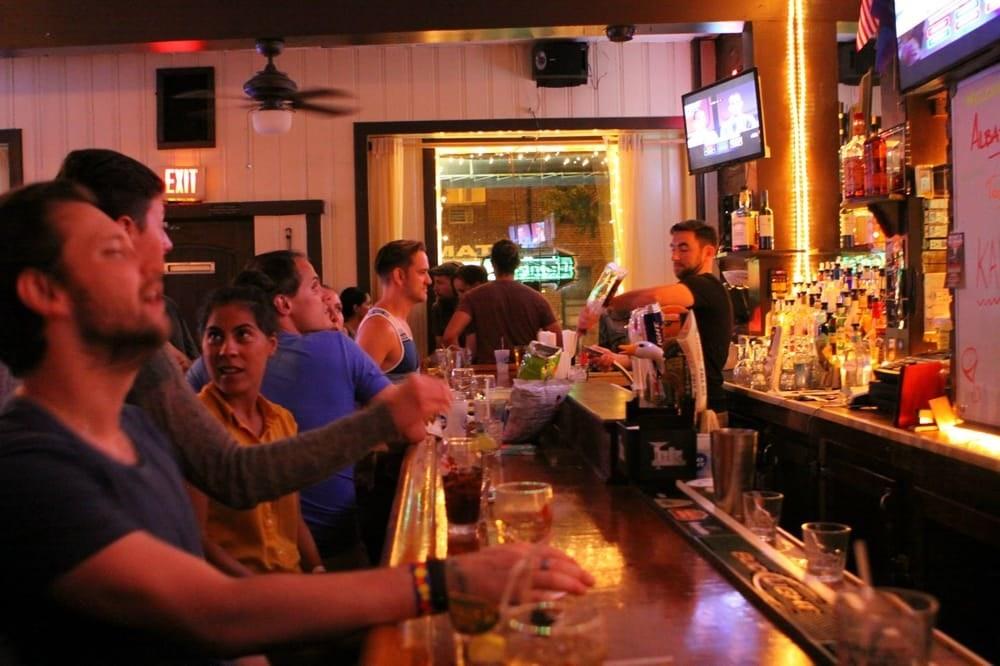 Metacafe Lesbian Seduction In A Lesbian Bar - Hard Orgasm-8459