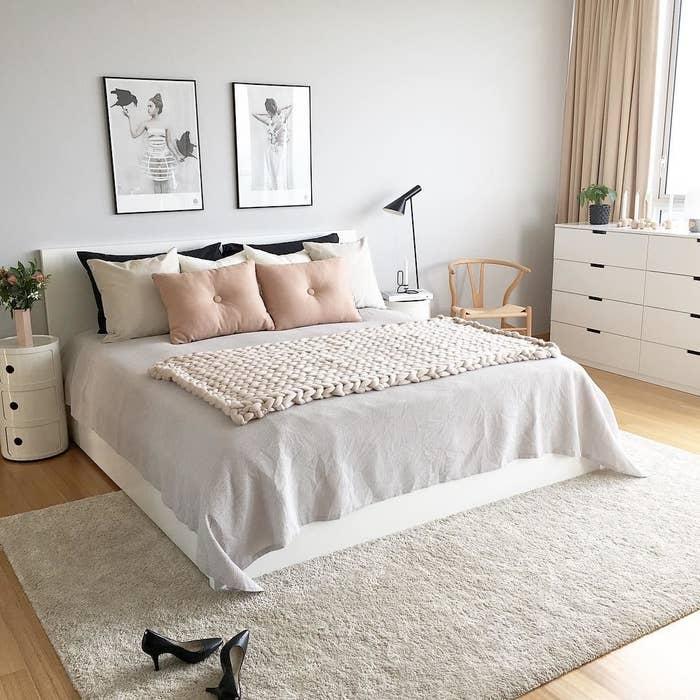 Decoracion de cuartos para jovenes mujeres sencillas for Decoracion habitacion nina gris y rosa