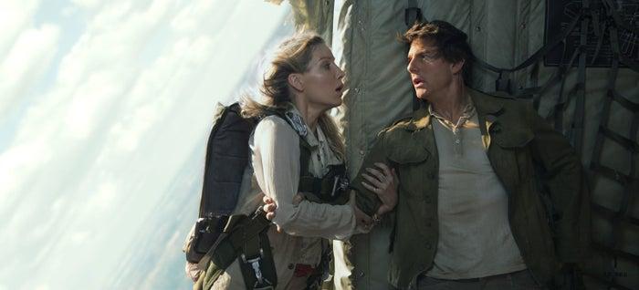 Jenny Halsey (Annabelle Wallis) and Nick Morton (Tom Cruise).