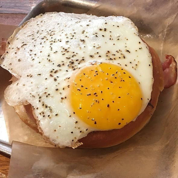 This griddled doughnut sandwich is jam packed with smoked ham, havarti cheese, dijon mustard, Béchamel sauce, and a sunny side up egg. Order it for breakfast or lunch...the choice is yours.