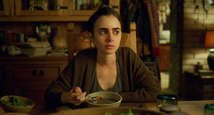 Lily Collins as Ellen in To the Bone.