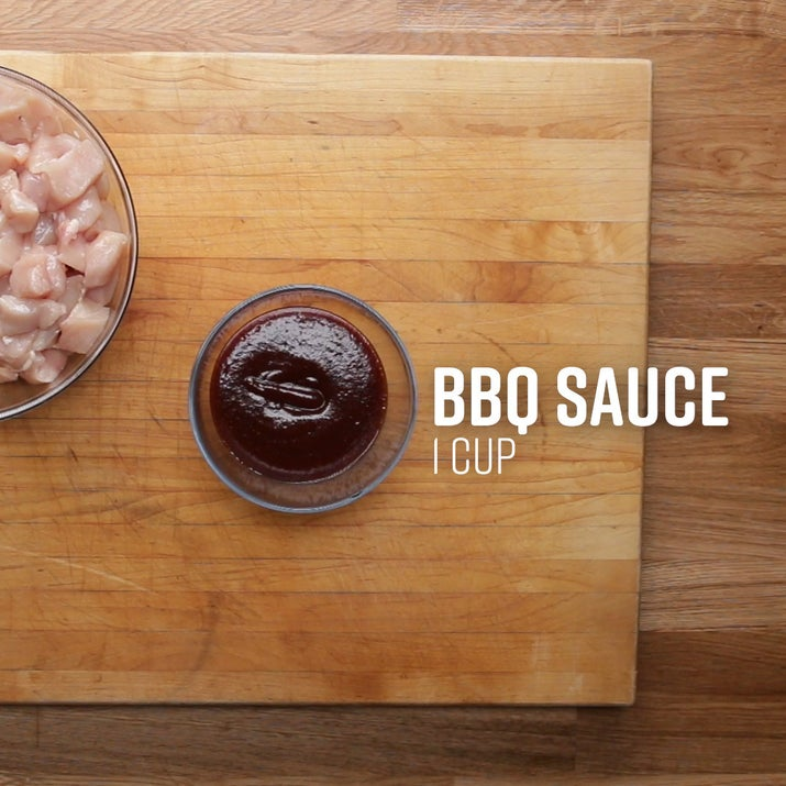 BARBECUE CHICKENServes 4INGREDIENTS2 cups diced boneless, skinless chicken breasts1 cup barbecue saucePlace chicken and barbecue sauce in a bag and shake to combine. Store in fridge for up to two days or in the freezer for several months.