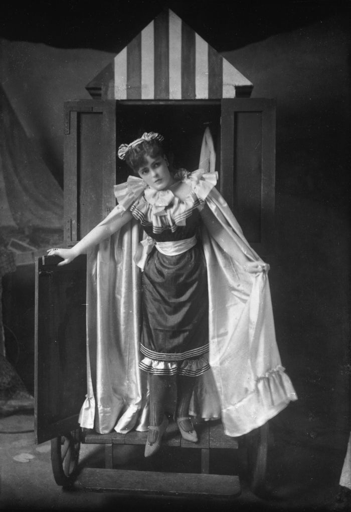 They were often worn with pants (or bloomers), hats, socks, and shoes. Unsurprisingly, the fabrics and accessories made it difficult for some women to stay afloat.