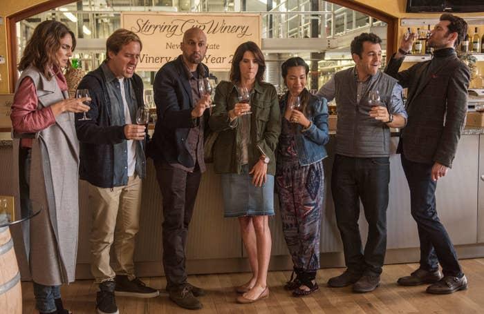 Sam (Annie Parisse), Nick (Nat Faxon), Ethan (Keegan-Michael Key), Lisa (Cobie Smulders), Marianne (Jae Suh Park), Max (Fred Savage), and Felix (Billy Eichner) in Friends From College.