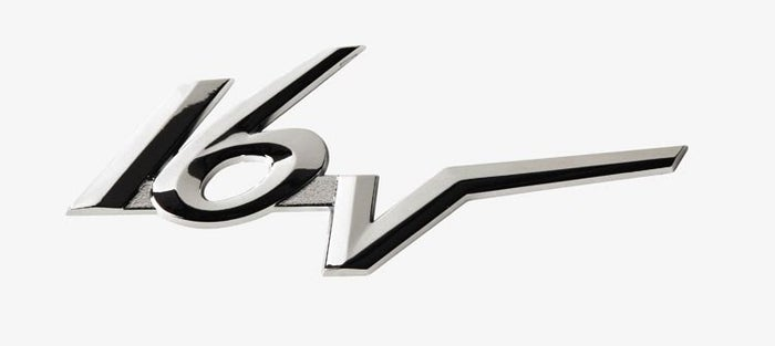 Pointing out that your car was a 16V was encouraged (even if it was 8V), this Saxo badge used to pop up on many cars.