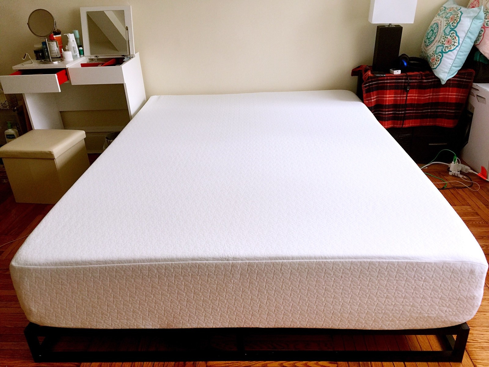 zinus memory foam green tea mattress a reasonably priced mattress that feels really highquality