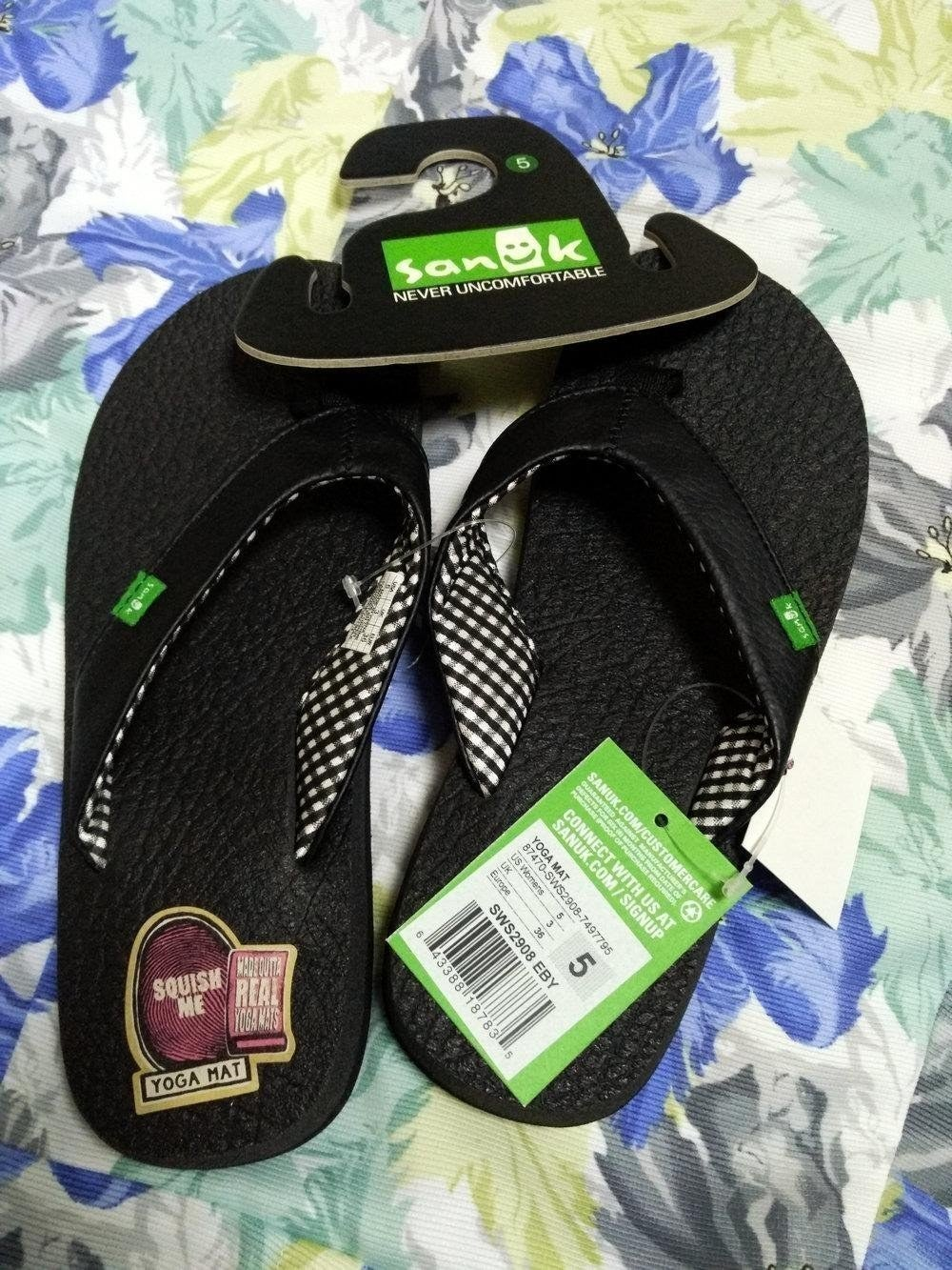 bde1deded 22 Of The Best Flip Flops You Can Get On Amazon