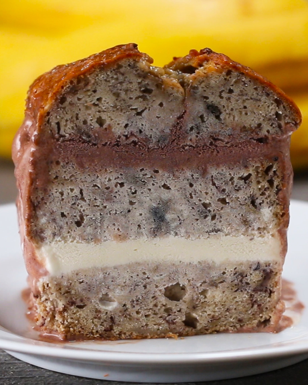 Stop What You're Doing And Make This Banana Bread Ice Cream Cake Right Now