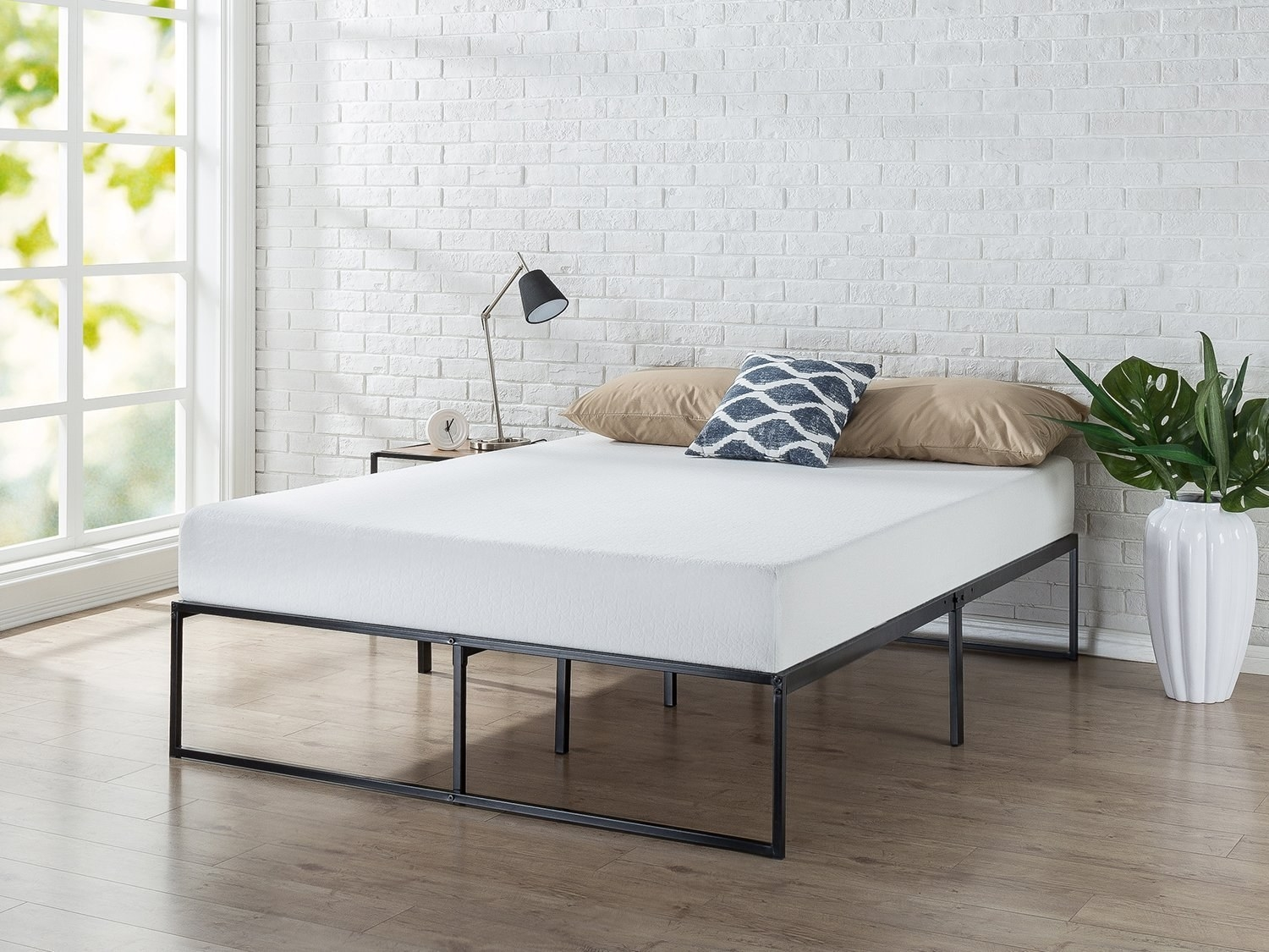 side view of the simple steel bed frame